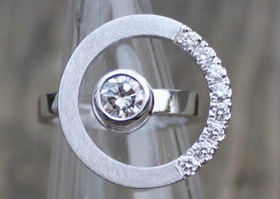 """""""Anneaux planétaires"""" or blanc et diamants"""
