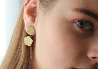 Double boucles d'oreilles pentagone